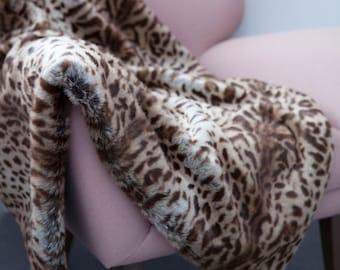 Faux Fur Throw in Chestnut Ocelot