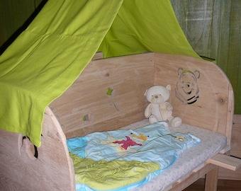Cradle cosleeping oak four sides Teddy bear theme