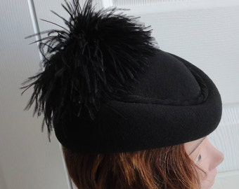 50s Black Felt & Feathers Women Hat Extra Small 20 inches Doeskin Felt