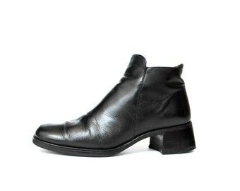 1990s Black Leather Chelsea Boots