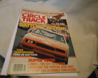 Vintage June 1984 Petersen's Circle Track Daytona Action! Magazine Volume 3 Number 6, collectable