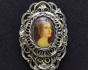 GERRY'S Cameo Brooch, Pin, Gold tone (X16)