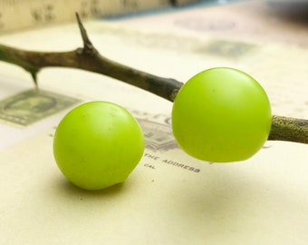 Vintage Buttons Lime Green Plastic Ball Buttons Mid-Century Ball Buttons Sewing Buttons Craft Buttons - 2 buttons - B182