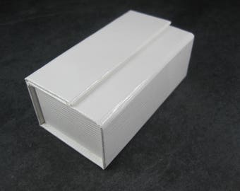White Magnetic Double Ring Box