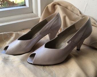 Vintage UK 4.5 US 6.5 EU 37 pearlised leather shoes