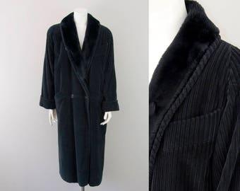 80s Vintage Black Corduroy Faux Fur Long Winter Coat. Oversized (S, M)