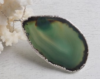 Gift for Her, Agate Necklace, Green Agate Necklace, Slice Agate Pendant, Statement Necklace, Boho Necklace, Geode Necklace, Bohemian, 8-112