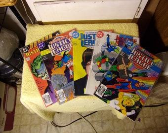Lot of 5-1988 DC Justice League Comics
