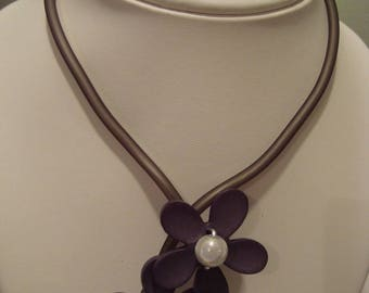 Necklace and bracelet grey soft flower