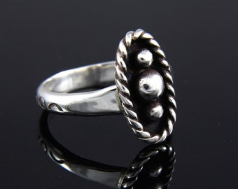 Ring / Tres Bolitas Sterling Silver Ring