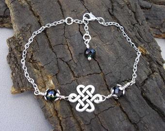 Bracelet Celtic knot silvered love knots with beads