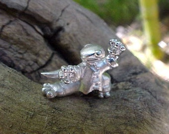 "Sterling Silver ""Kung Fu"" Gecko pendant  with Leather Cord Necklace"