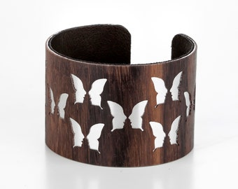 Wooden ornament bracelet