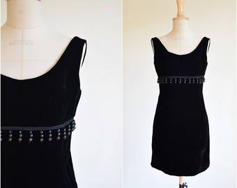 1960s velvet sheath dress | size small | sleeveless | lbd little black dress | 1960s vintage dress