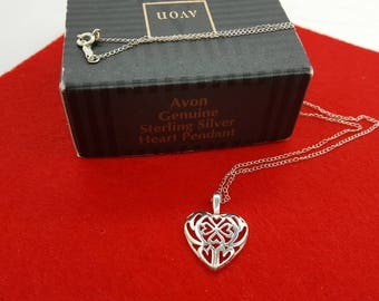 Avon Sterling Heart Pendant Necklace mint condition 1994 Original box