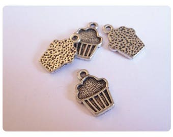 10 cupcake - silver color charms