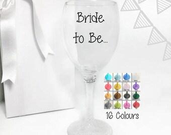 Bride to be wine glass, bride to be glass, bride to be gift, bride glass, bride wine glass, bachelorette wine glasses, wedding wine glasses