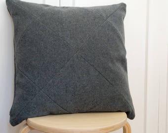 Petal Pillow - cashmere wool         50x50cm