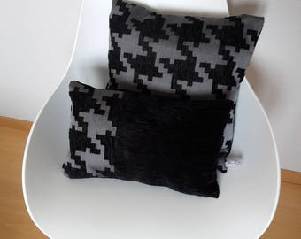 Duo of cushions with geometric black and gray effect velvet satin