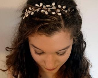 Pearlescant Petal Hair Vine