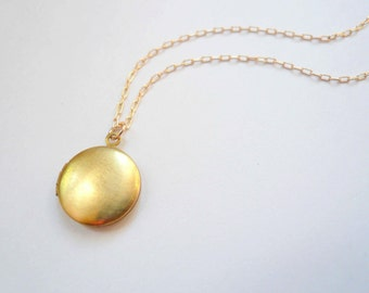Small gold locket necklace Small locket Tiny locket Miniature locket Round locket Brass locket Gold fill chain Classic locket Plain locket