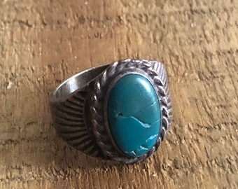 Vintage Native American turquoise ring. Size 6.