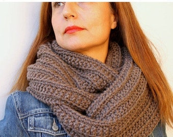Knit Scarf Chunky Knit Scarf Circle Scarf Infinity Scarf Mocha Brown Hand Knitted Chunky Scarf / Loop Scarves Gift For Her BFF Gift