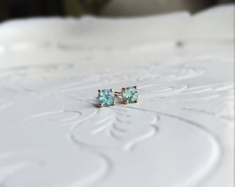 Apatite 14 carat rosé gold ear/earrings