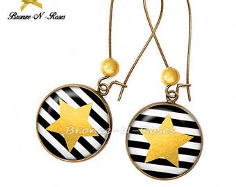 Yellow background star stripes cabochon earrings bronze glass