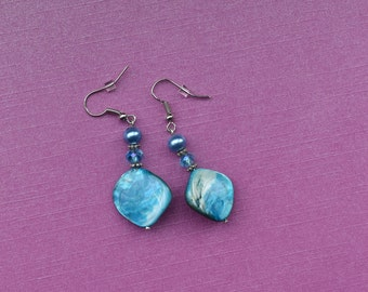 Blue shell earrings, Blue mother of pearl earrings, something blue for bride, bridal jewellery, bridal jewelry, gifts for mom, wedding gift
