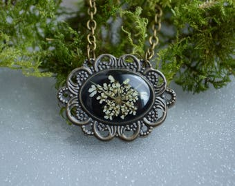 Queen Anne's Lace necklace,Resin necklace,Real flower in resin,Greenery Shop,Valentine's Day,Handmade necklace