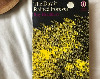 The Day it Rained Foever by Ray Bradbury Penguin Classic UK Edition Paperback Science Fiction