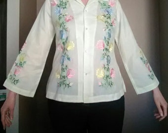 Vintage 1970s Blouse Floral Embroidered Pastel Lemon Yellow Shirt Mexican