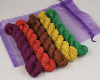 Hand-dyed sock yarn mini skeins pure British superwash wool knitting yarn pack 5x20g Earthly Treasures (plum/rust/brown/green/gold) minis
