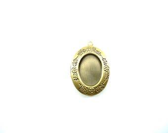 1 oval Locket pendant bronze and engraving, Locket, Locket charm
