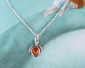 Sterling Silver Sea Turtle Pendant, Turtle Necklace, Beauty-gift, Amber Necklace, Amber Pendant, Ocean Jewelry, Gift for her