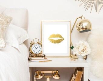 Lips in gold  Print Wall Art  - 4x6,  5x7, 8x10, 11x14, 12x16, 13x19  Print - Artwork - Faux Gold Foil (1100)