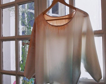 Silk Shibori blouse, handmade and hand dyed with plants: blue woad and beige eucalyptus, made in France quality silk top