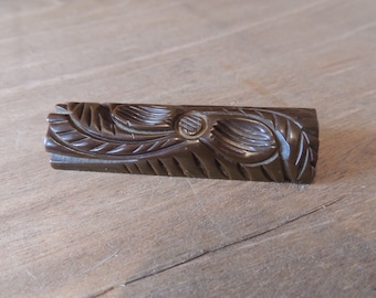 Large Bakeliet Brown Carved Floral Bakelite Bar Pin Retro Vintage 1930-1950's