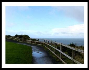 """Fotografía """"Senderos"""" Experimenta desde cerca la sensación de caminar por las costas de Irlanda del Norte. Imagen para descarga digital."""