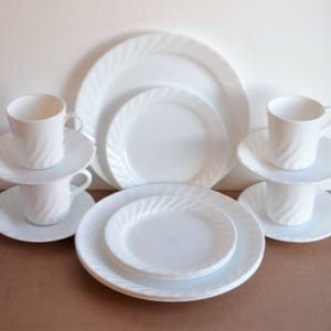 Set of 16 piece Corelle