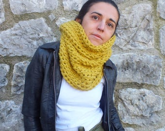 Chunky knit cowl scarf, Mustard yellow cowl scarf, Knitted neckwarmer, Gift for wife, Gift idea, Knit cowl scarf