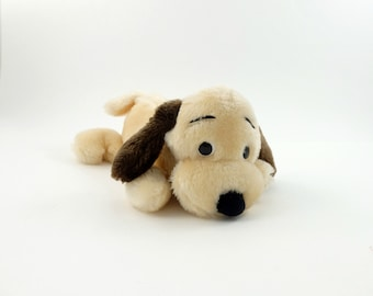 Vintage 70s Dakin Plush Dog Bean Bag, Furry Dog, Dog Lover Gift, Floppy Ear Dog, Stuffed Puppy, Peluche Collectible Dog Plush Dog Brown Dog