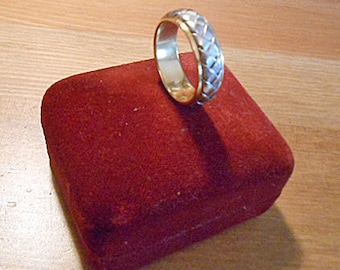 NOVELL WEDDING RING Vintage Braided Band Design 18K Gold & Platinum Man Size 10 Celtic Infinity Style Marriage Keepsake Not Engraved
