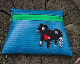 Bulldog Turquoise Vinyl Zipper pouch
