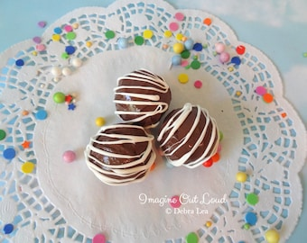 FAUX Fake Truffles Milk Chocolate with White Chocolate Drizzle Set