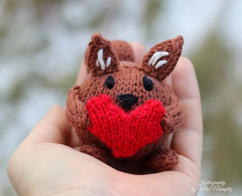 Squirrel knitting pattern pdf for beginners and advanced knitters this is a digital file negle Image collections
