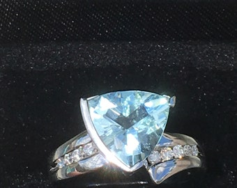 14k white gold topaz /diamond ring