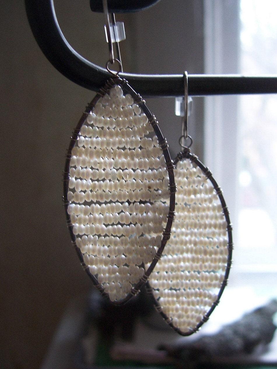 Alternative Braut Sterling Silber weiße Samen Perle Ohrringe