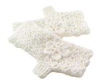 White Crochet Fingerless Gloves with Flower, Winter White Texting Gloves, Snow White Wristwarmers, GL148-01